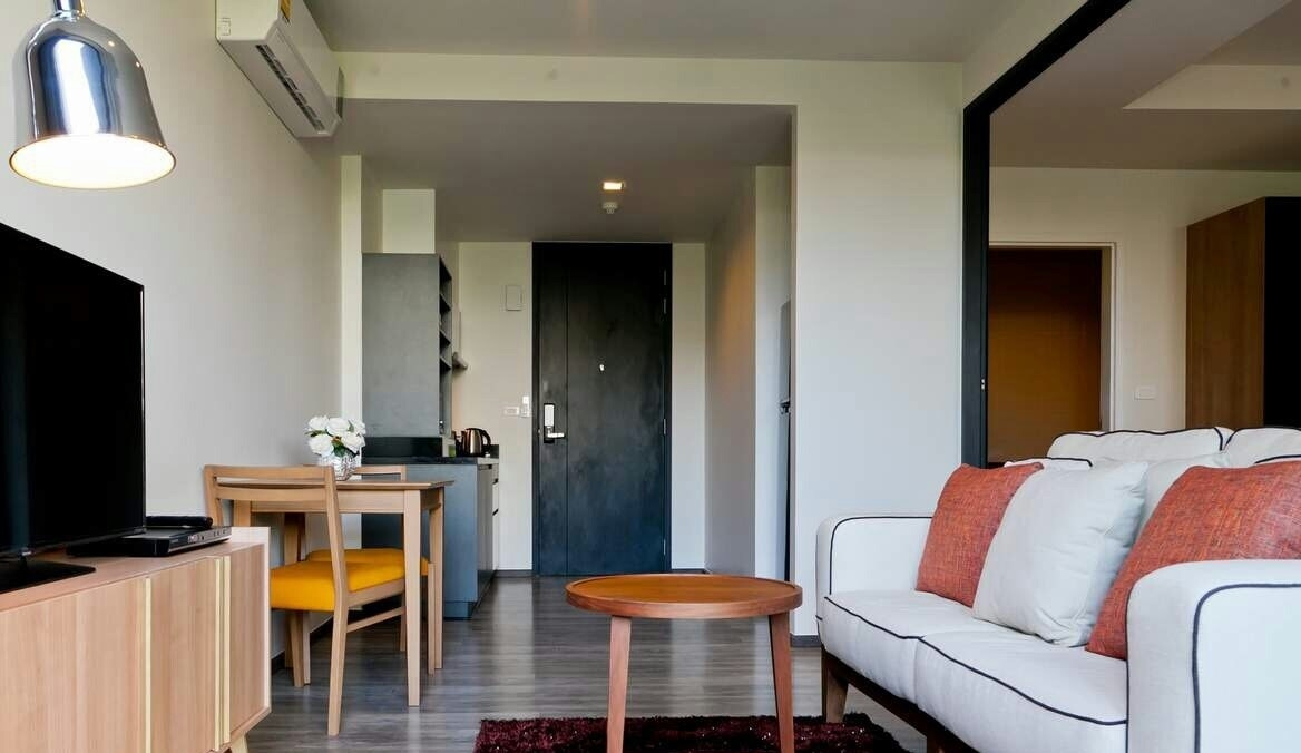 Condo for sale The Deck Patong Phuket Thailand Green view 5 mins to beach Freehold