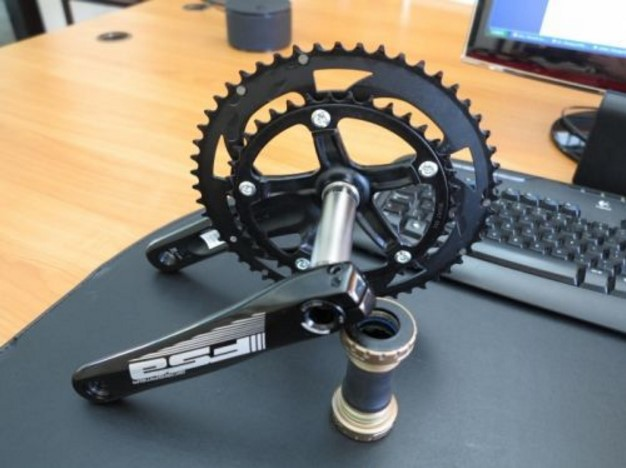 Immaculate FSA Crank set & bottom bracket