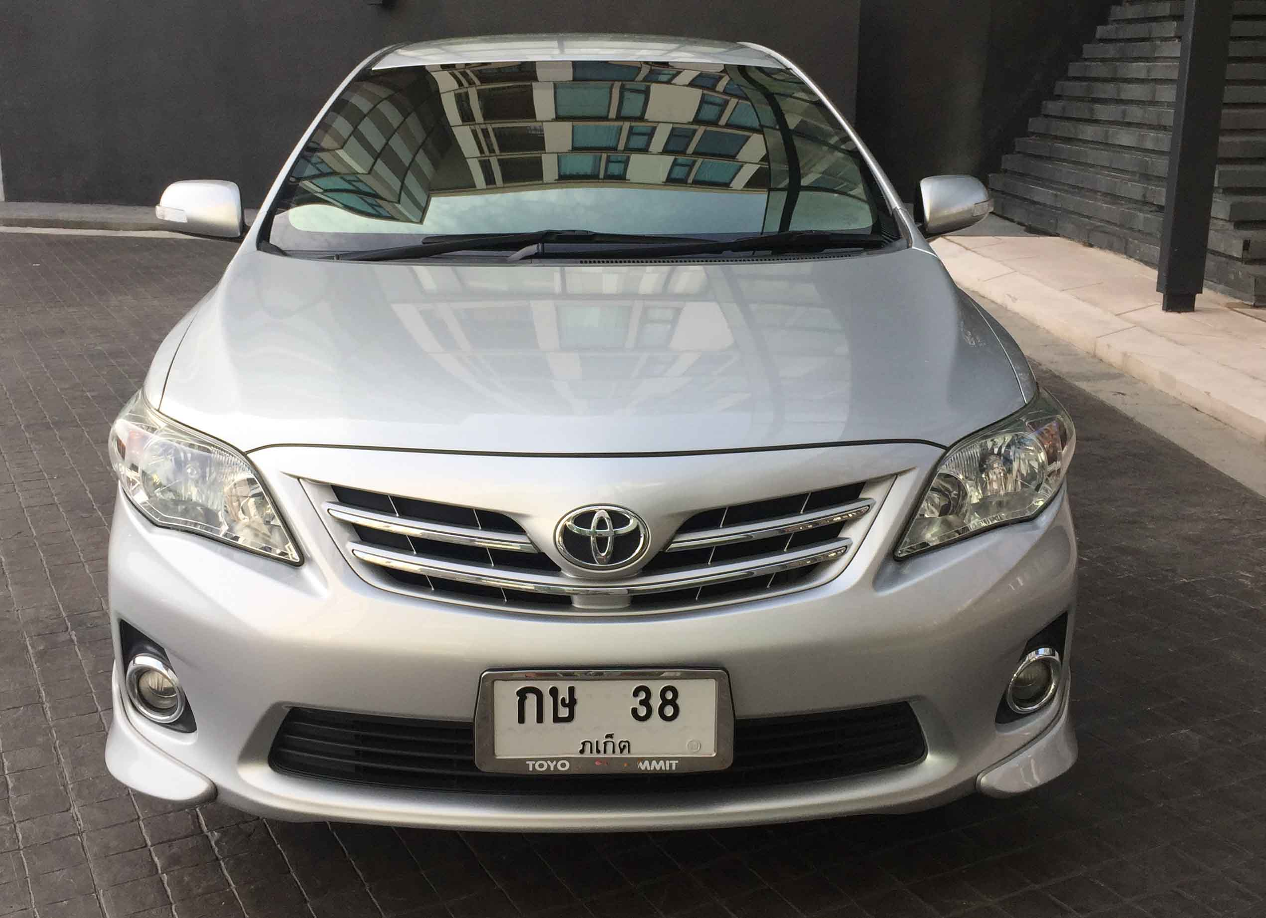 Beautiful Toyota Altis 2013 for sale