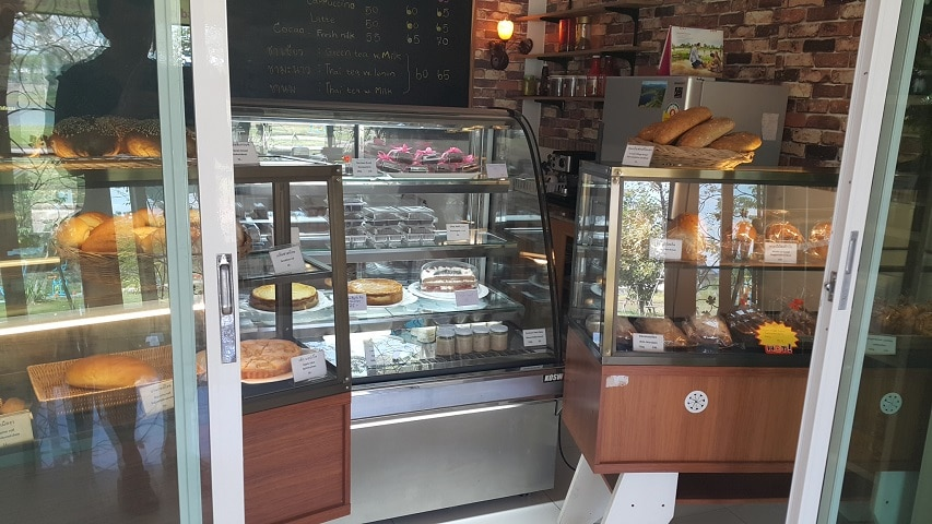 Air conditioned restaurant and bakery in Udon Thani for sale