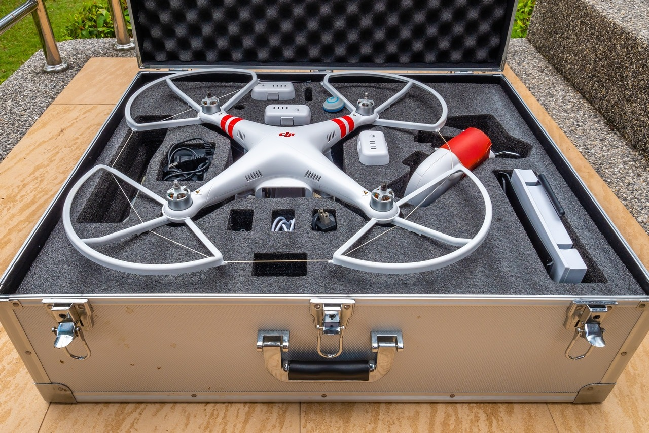 DJI PHANTOM 2 QUADCOPTER ZENMUSE H3-3D FPV GO-PRO CAMERA FOR SALE