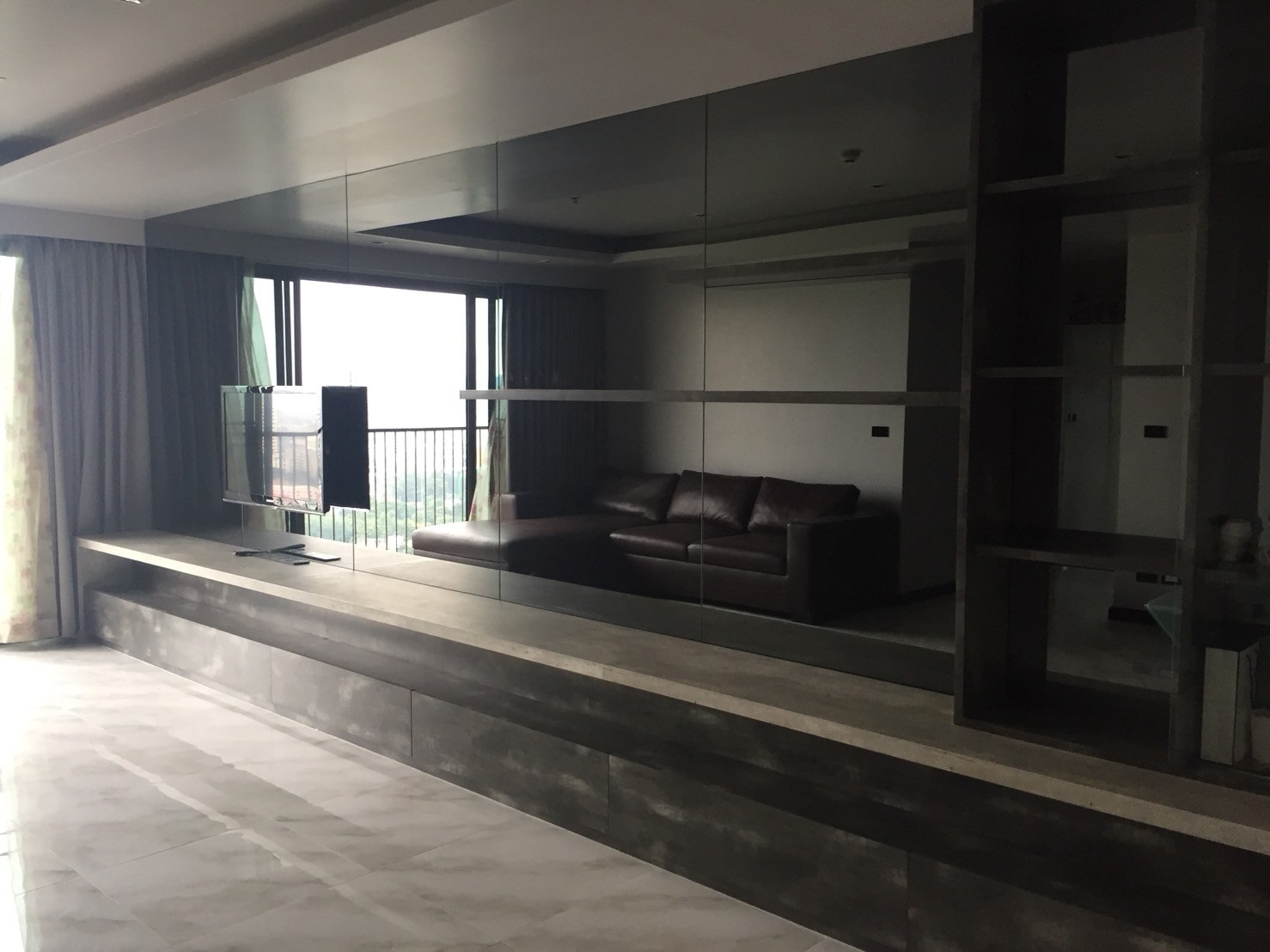 SWISH  EXTAVAGANT 3 BED CONDO IN  THIONGLOR BANGKOK FOR RENT