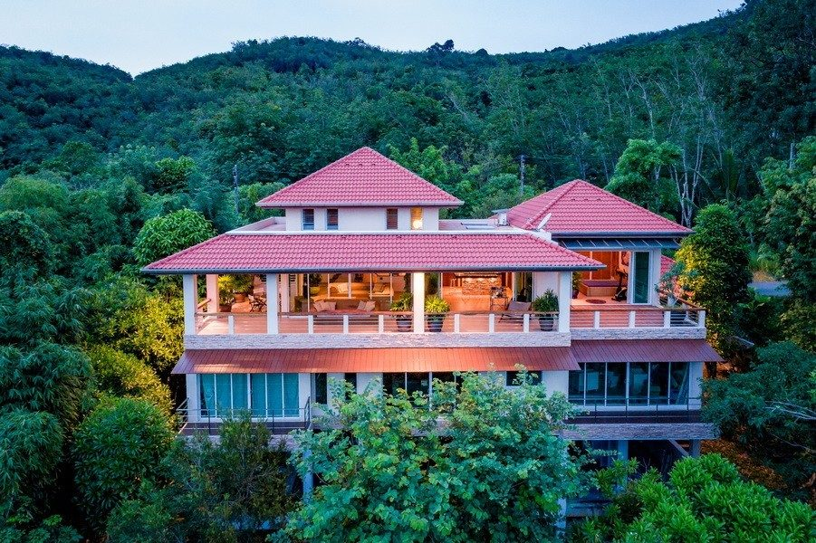 Urgent mountain house for sale on layan hill Ocean view 3 mins to beach 4 Beds