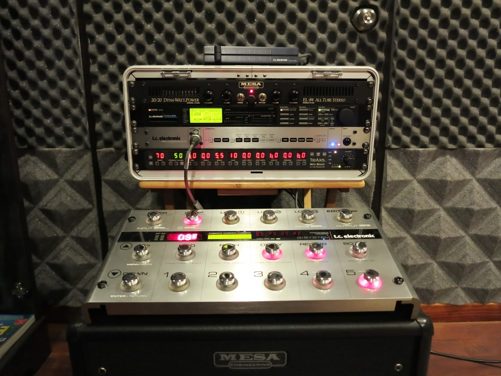 Professional guitar system racked perfect for record,perform – ฿85000 (Phuket)