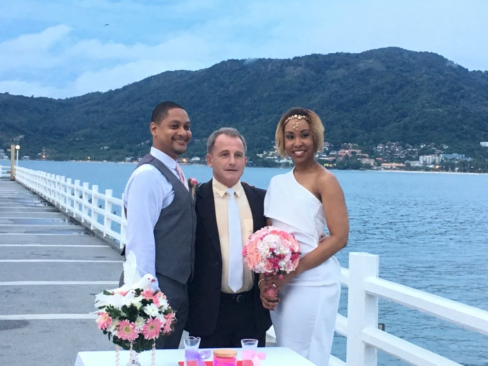 Wedding Celebrant Asia – Paul Cunliffe
