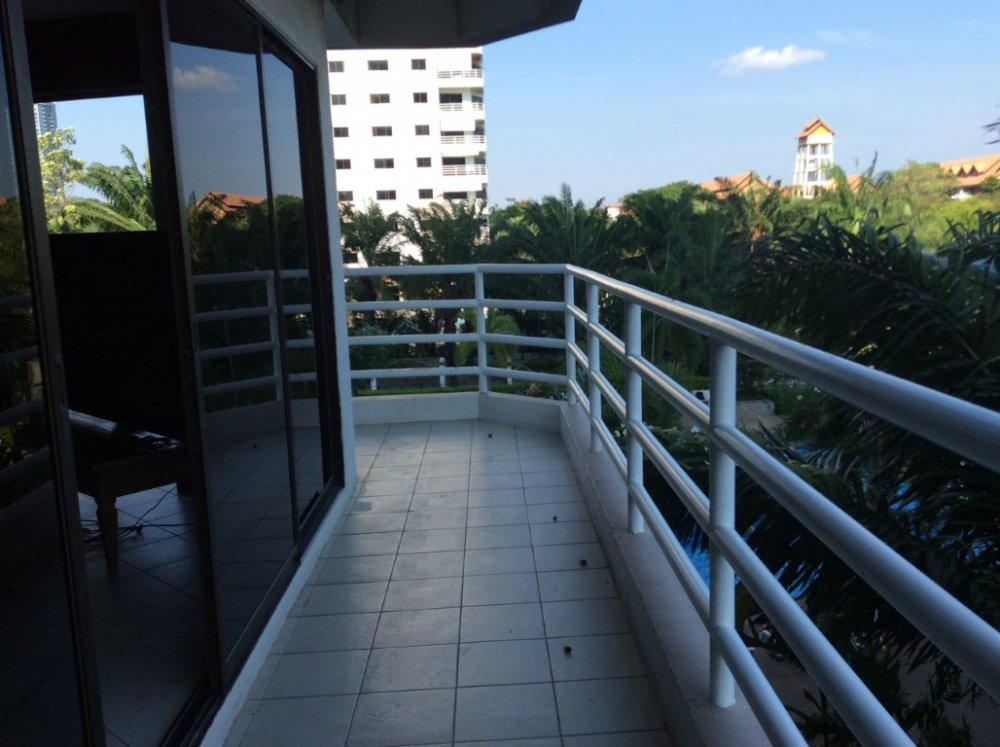 Jomtien View Talay 2A 101 Sqm Corner