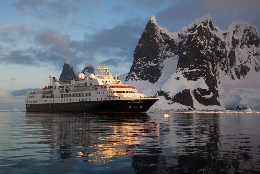 Get ultimate cruising experience with A&F Tour!