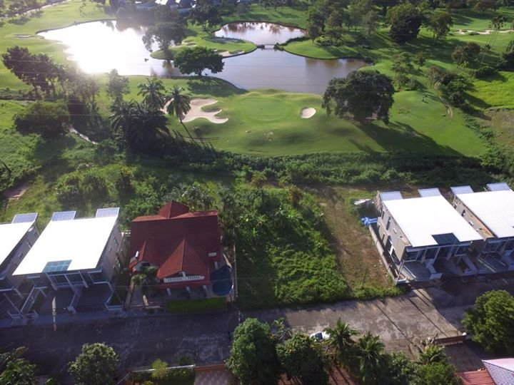 Large House Golf View for Sale