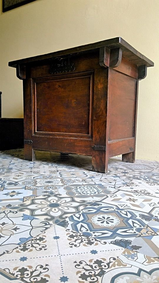KOREAN ANTIQUE RICE CHEST