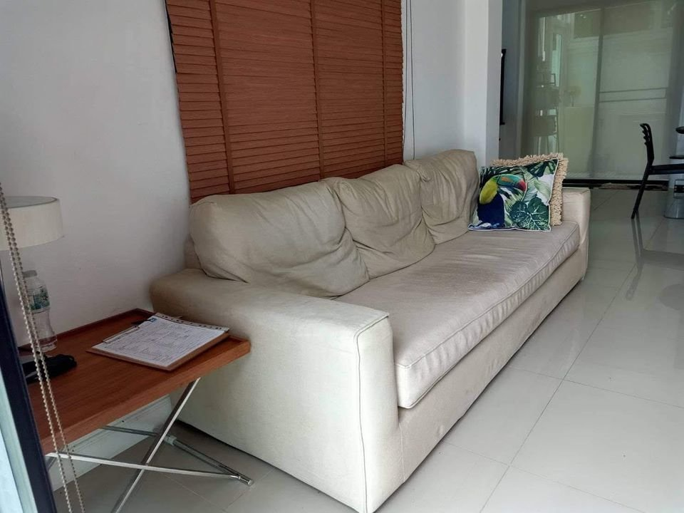Beautiful contemporary Corner townhouse for sale