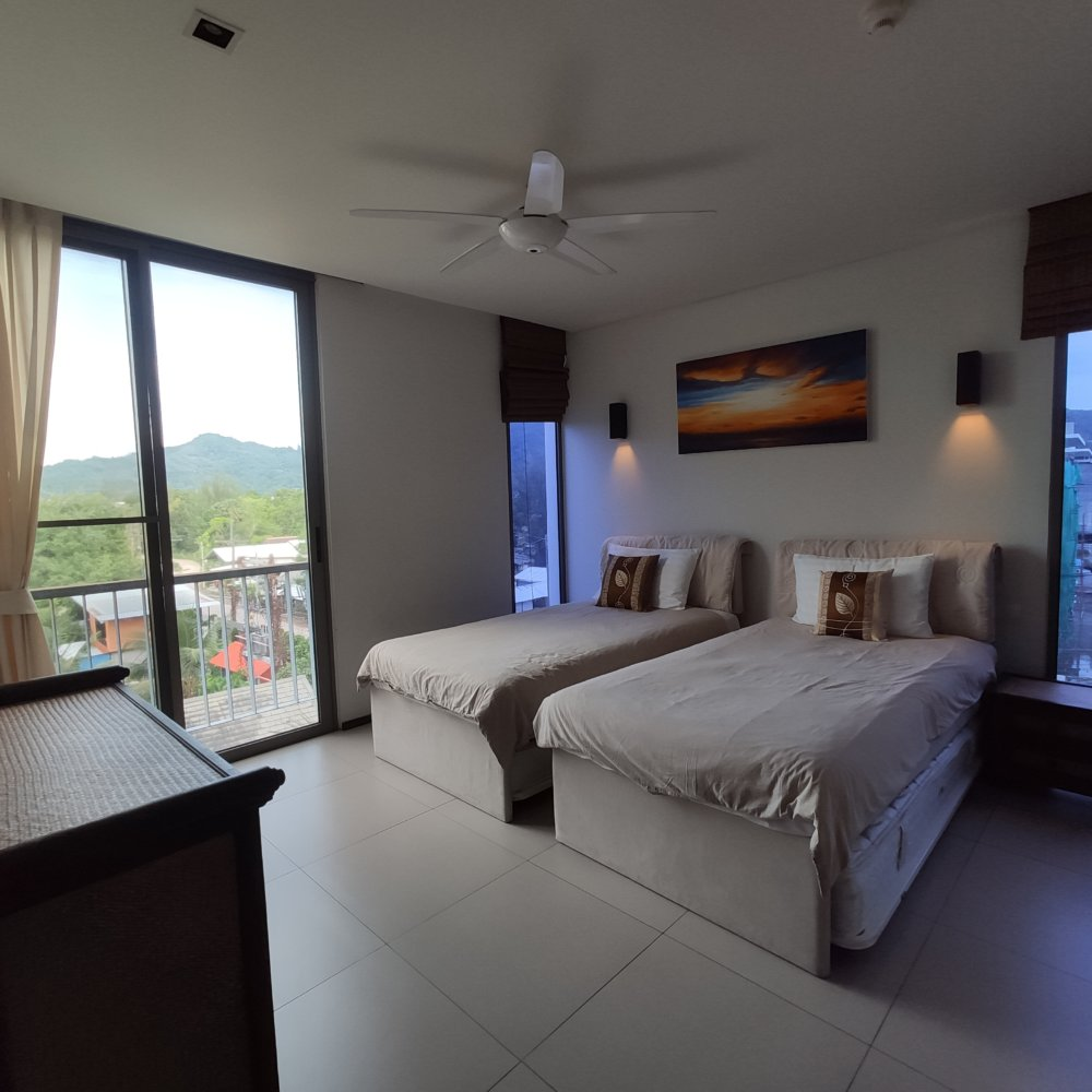 Penthouse apartment Bangtao beach