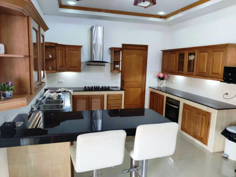 immaculate 3 bed 3 bathroom House in Buriram