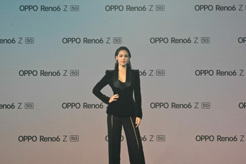 OPPO ญาญ่า