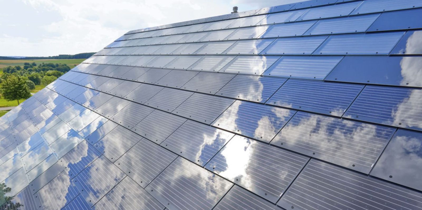 Smart solar roofs. Is this the start of free electricity? | The Thaiger