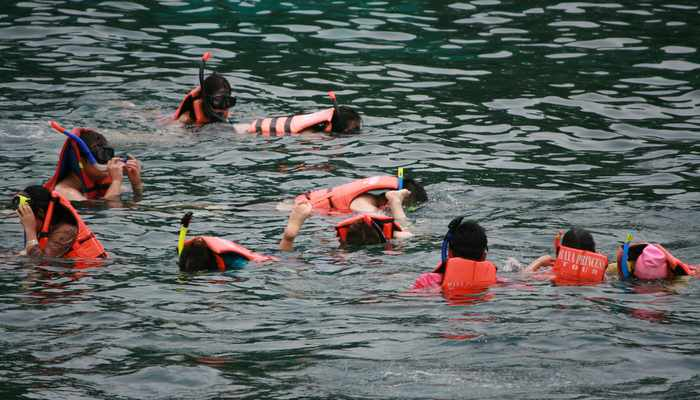 What it takes to stay safe while snorkelling in Phuket waters | Thaiger
