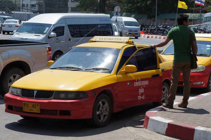 Phuket taxi drivers: Do as the Borneo taxi drivers do | The Thaiger