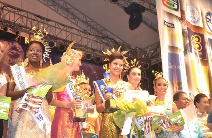 Thai airways songkran promotional giveaways