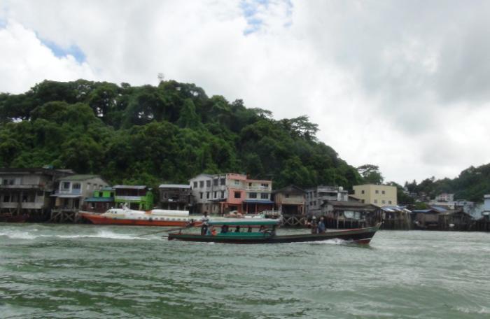 Island View: Burmese border visa run by car | The Thaiger