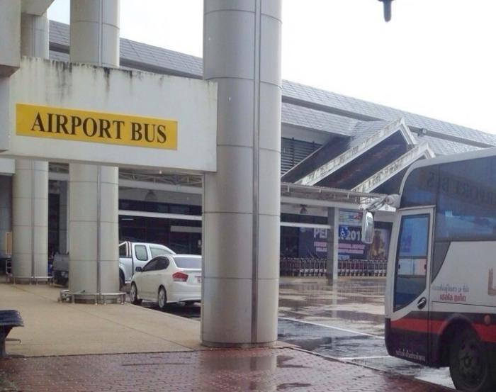 Phuket Airport Express Bus still in the red | The Thaiger
