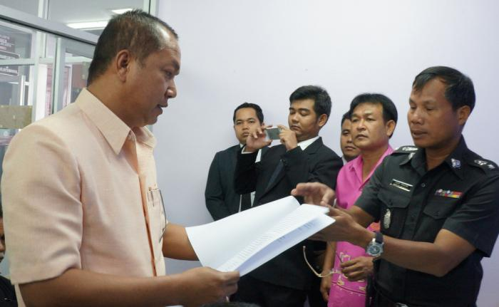 Formal charges against Phuket protest leaders delayed | Thaiger