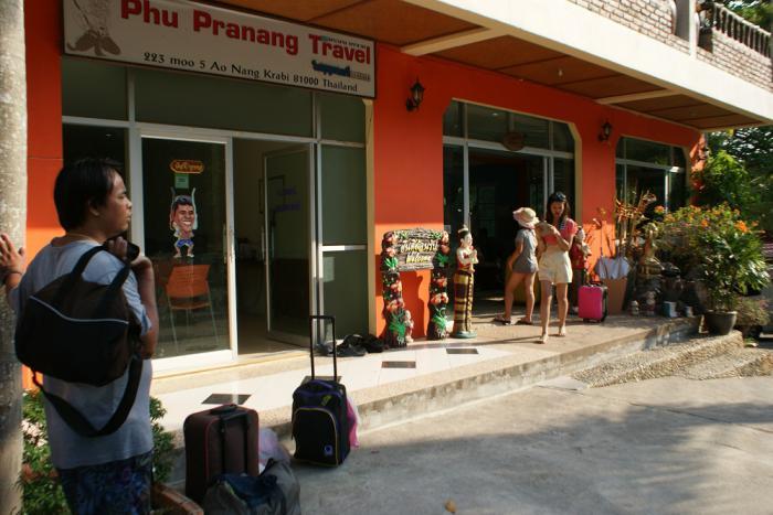 Krabi resort fraud case goes nationwide, hundreds file complaints | Thaiger