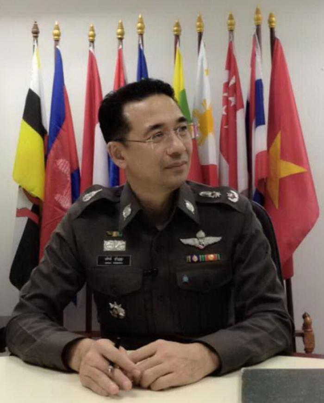 Phuket rental shops send passport pictures to Bangkok via smartphone application | Thaiger
