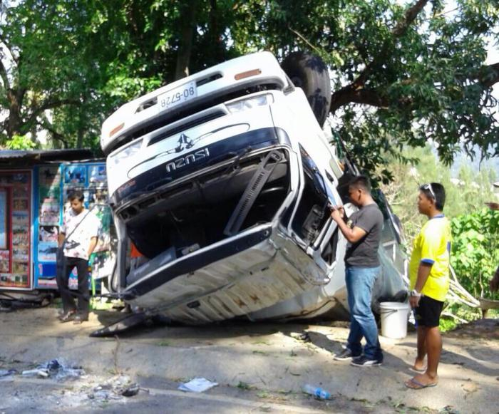 Road death tally holds steady on fifth day of danger | Thaiger