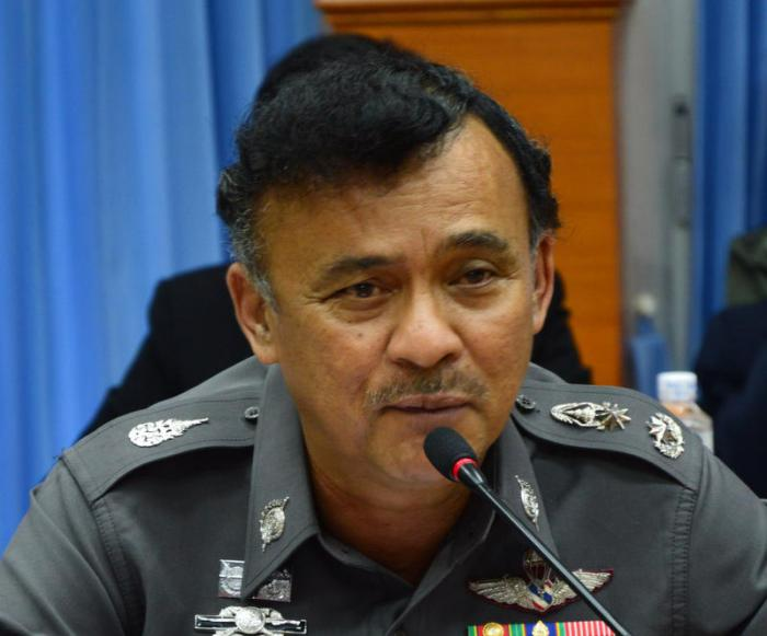 Chalong top cop out after Phuket divers' extortion charges | Thaiger