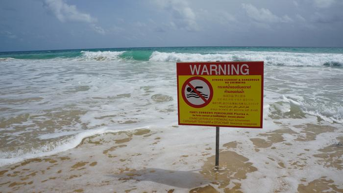 Phuket faces no lifeguards on beaches as contract debacle ebbs on   The Thaiger
