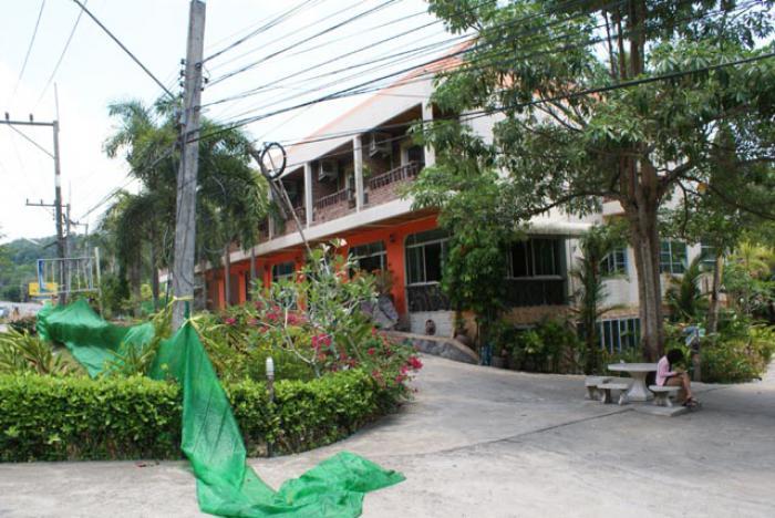 Krabi resort closes doors, police seeking arrest warrant | Thaiger