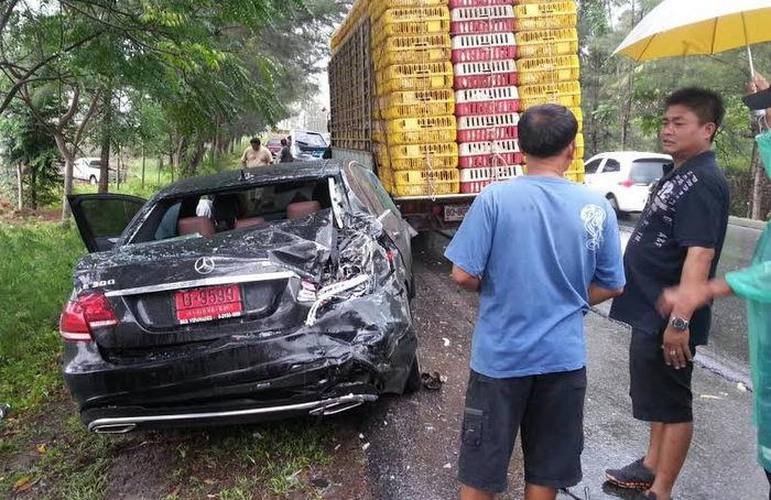 Phuket official loses B4mn Benz in chicken run wipeout | Thaiger