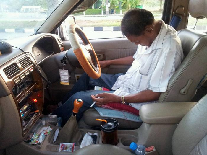 Phuket Airport taxi driver faces inquest for drunk nap behind the wheel | Thaiger