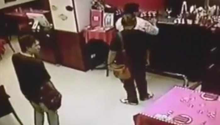 """""""Fake cops' not fake, but no extortion say Patong Police [video] 