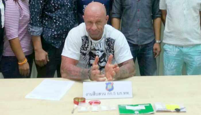 Gun-toting Aussie re-arrested with drugs while on bail   Thaiger