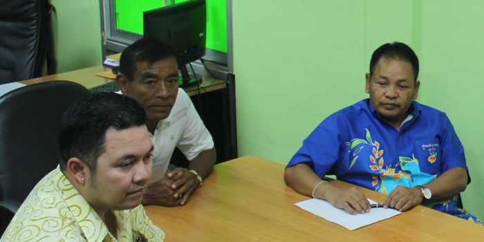 Power-mongering turns ugly as rift divides Phuket taxi drivers | Thaiger