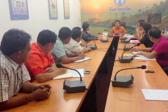 Breaking News: Phuket taxi mafia kingpin suspects out on bail | The Thaiger