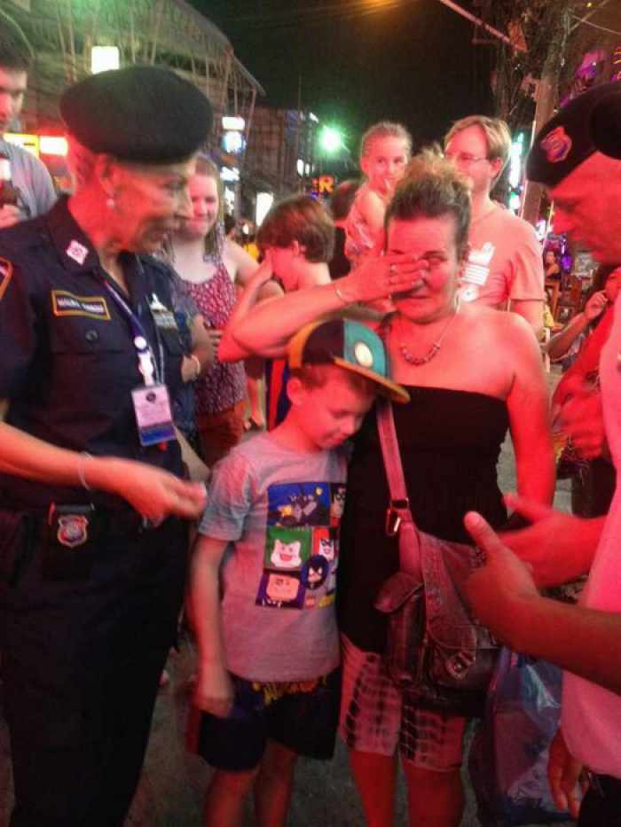 Phuket tourist lad lost on Bangla quickly reunited with family | The Thaiger