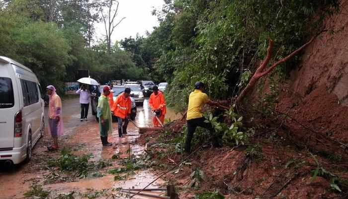 Phuket landslide, flood warning issued amid heavy rainfall | Thaiger
