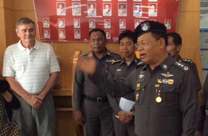 Jubilant honorary consuls, hotel staff offer thanks for war on taxi mafia | Thaiger