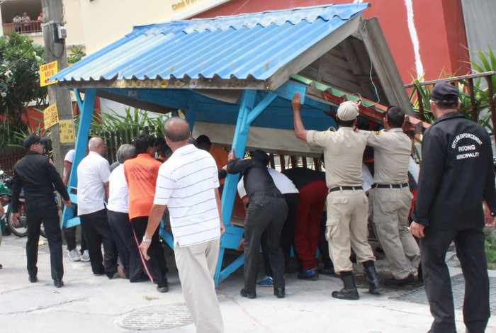 Police warn local officers over taxi mafia revival | Thaiger