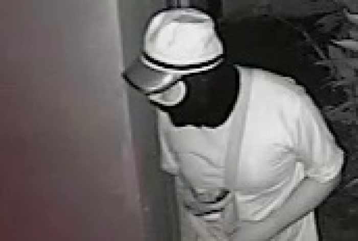 Foreign burglar caught on CCTV robbing Phuket homes | The Thaiger