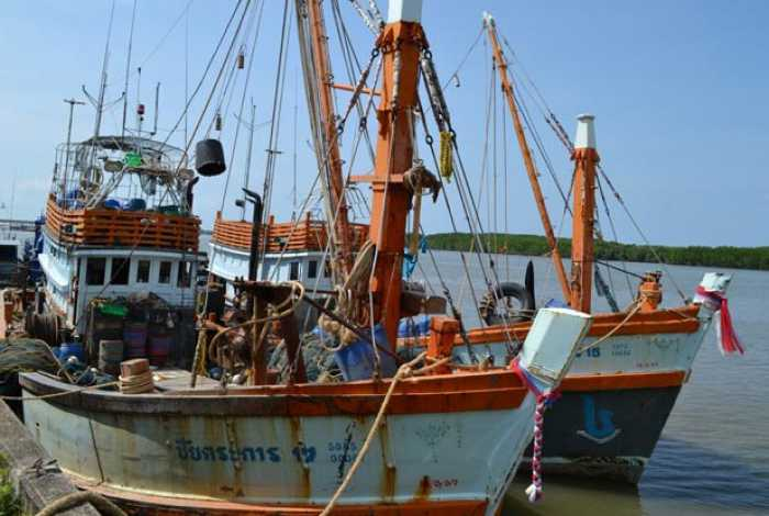Officials catch fishing trawler working in restricted zone east of Phuket | The Thaiger