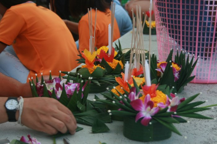 Video Report: Light up the night with Loy Krathong | The Thaiger