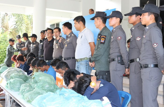 Police arrest 13 in kratom bus-delivery bust | The Thaiger