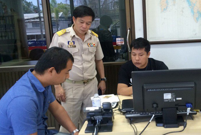 Illegal tour guide swept up in Phuket crackdown | The Thaiger