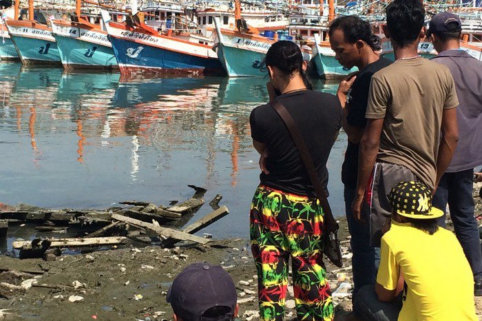 Unidentified body found with knife lodged in head at Phuket pier | The Thaiger