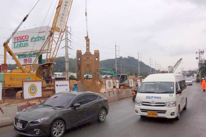 Critical underpass intersection to remain closed until end of year | Thaiger