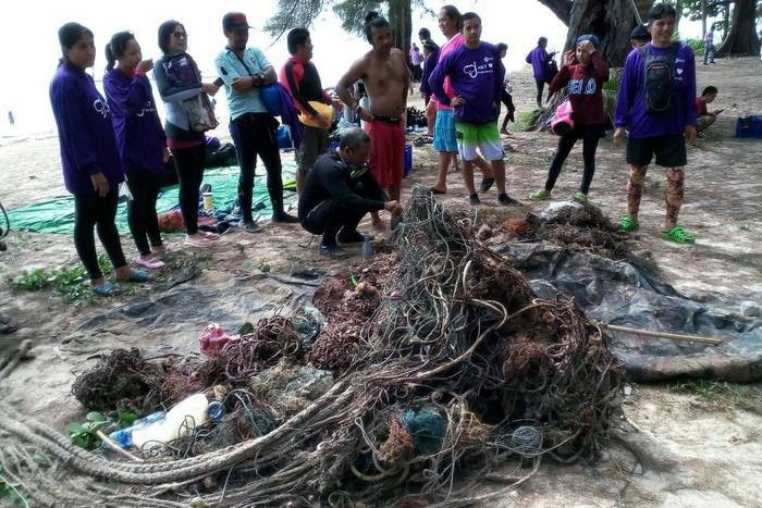 Divers clear marine trash to protect new Phuket reef | The Thaiger