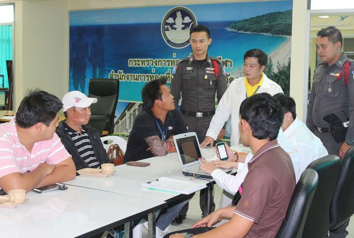 Illegal Thai tour guides busted in Phuket | The Thaiger