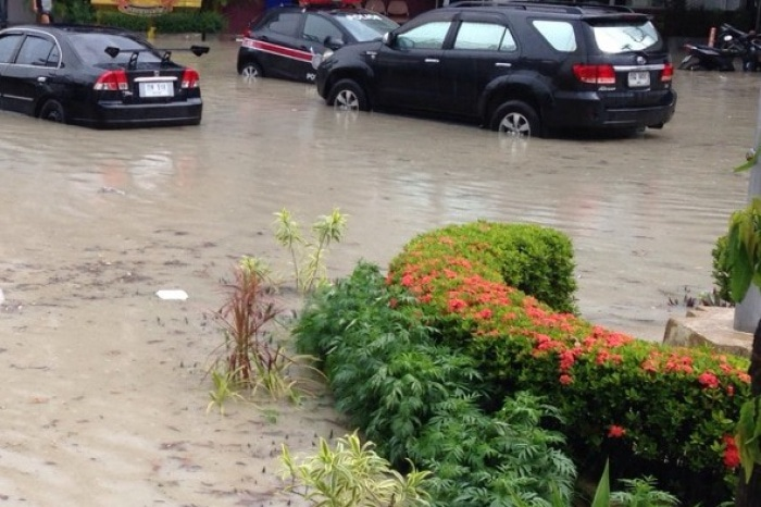 Flash flood puts Phuket police station in deep water | The Thaiger